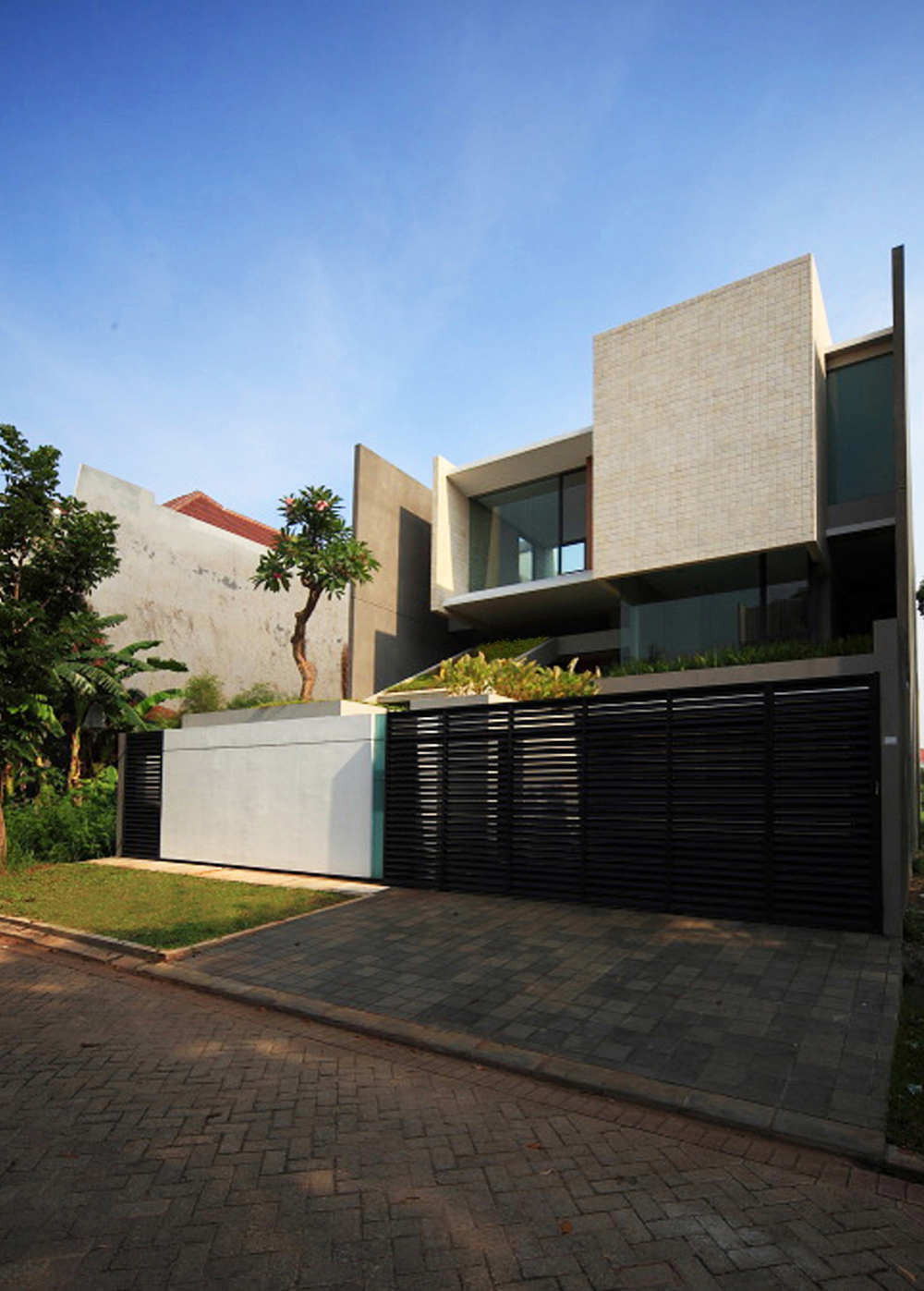 Tan Residence Chrystalline Artchitect Archdaily