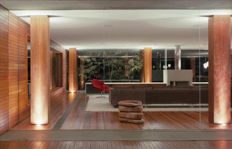 Br house marcio kogan archdaily for Stile moderno casa