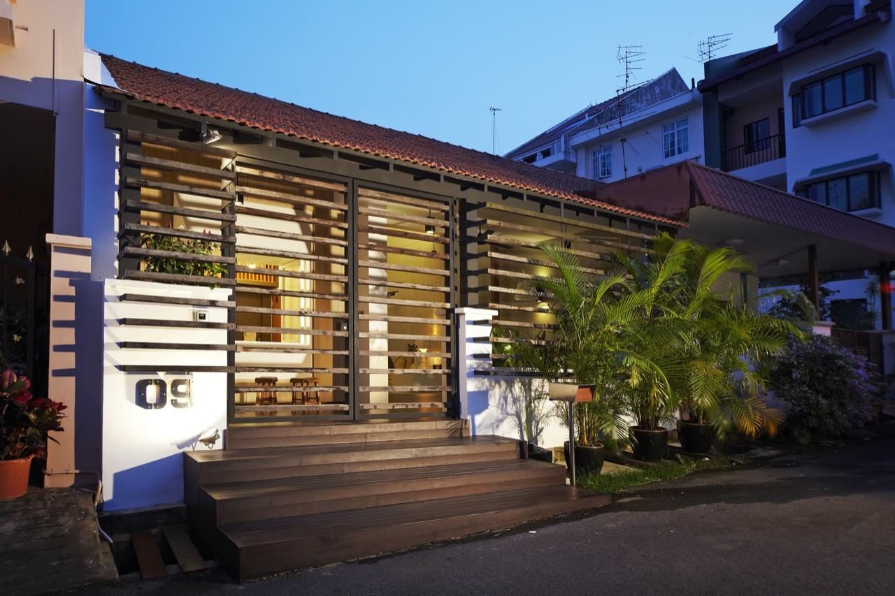 House at Hillside / Nota Design International pte Ltd ...
