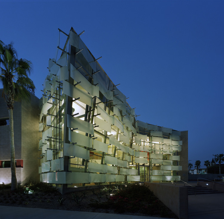 Hollenbeck Replacement Police Station / AC Martin, © Timothy Hursley