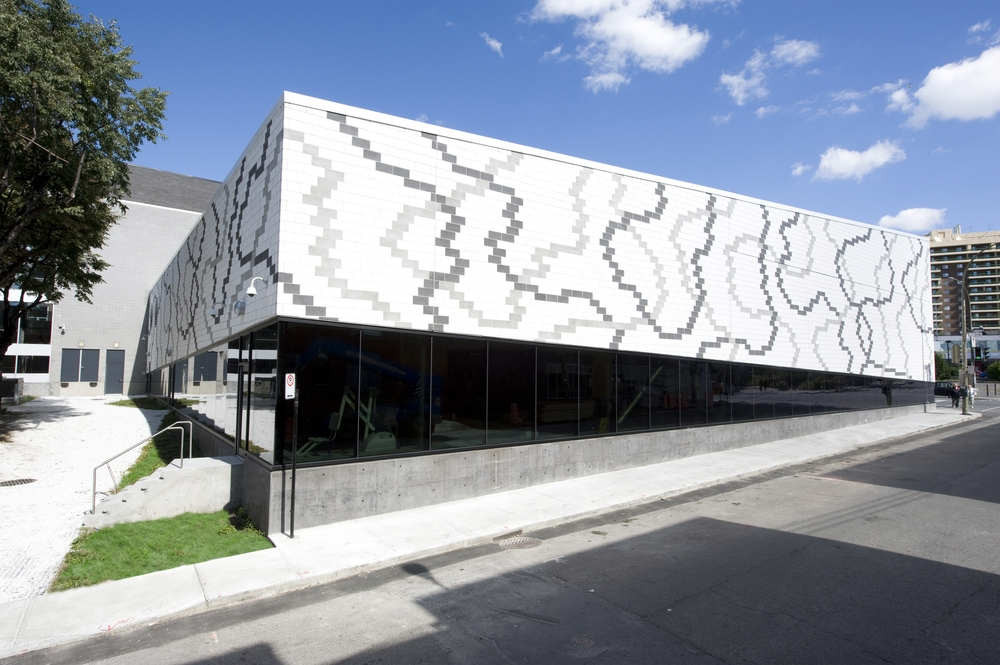 Montreal tag archdaily page 8 for Centre sportif claude robillard piscine