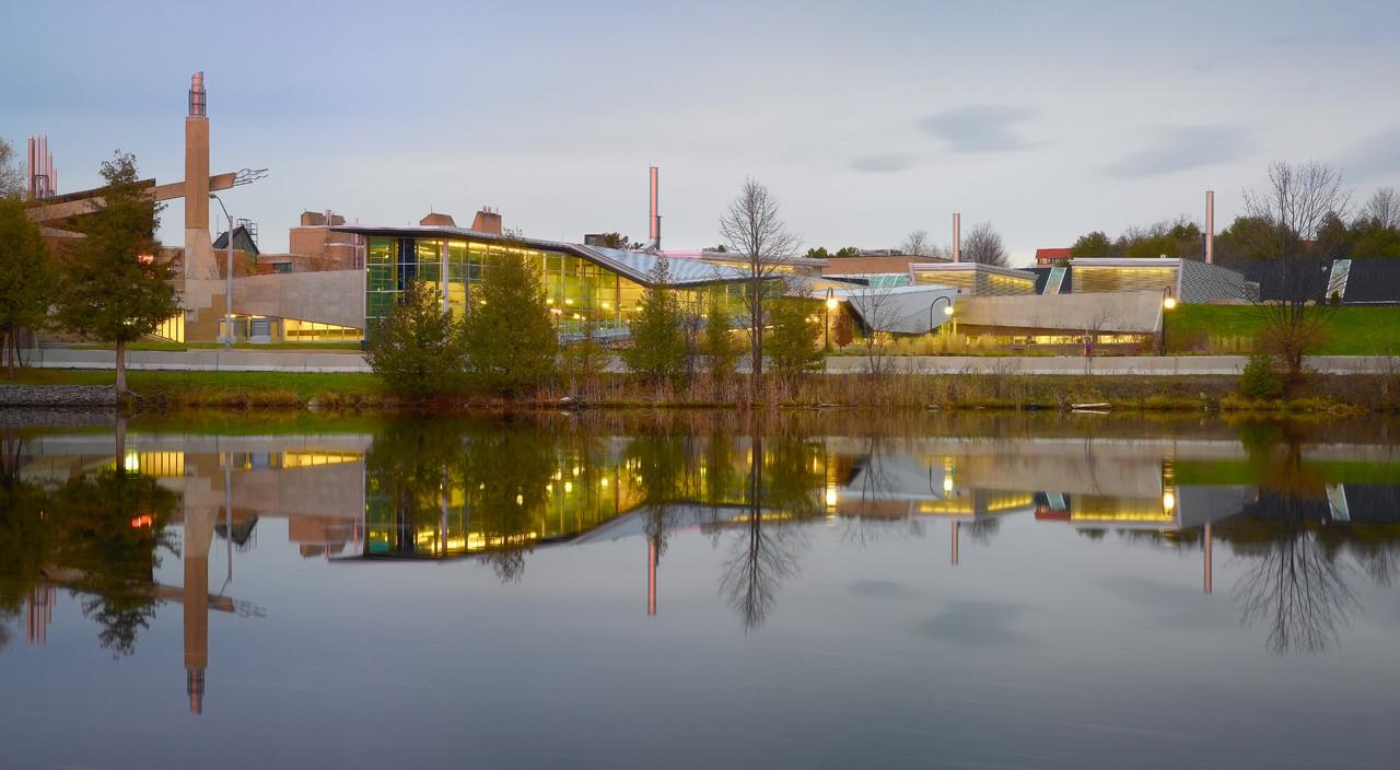 trent university chemical sciences building / teeple architects
