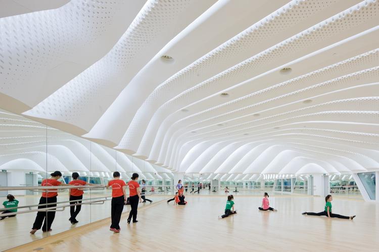 Guangzhou Opera House Zaha Hadid Architects Archdaily