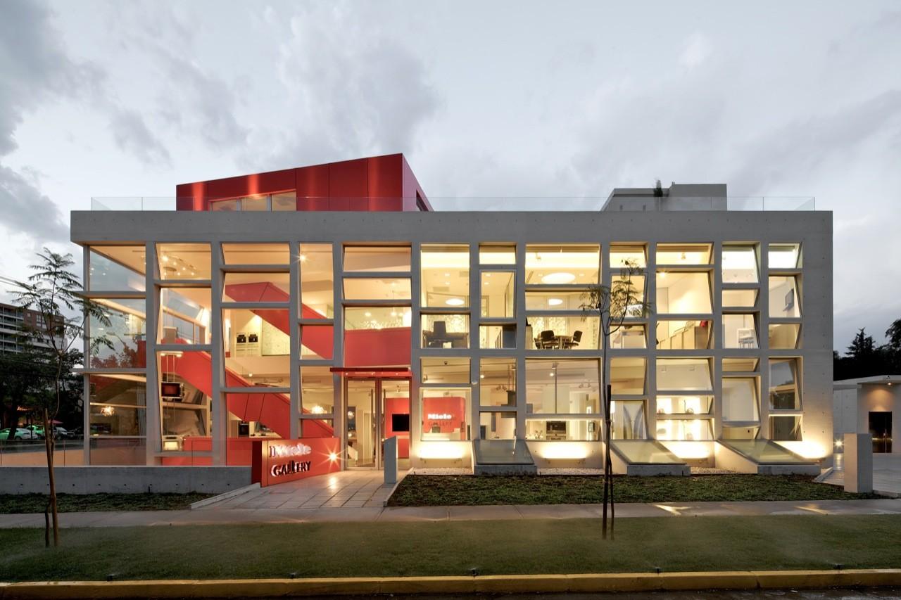 Miele gallery gonzalo mardones v arquitectos archdaily - Galeria comercial ...