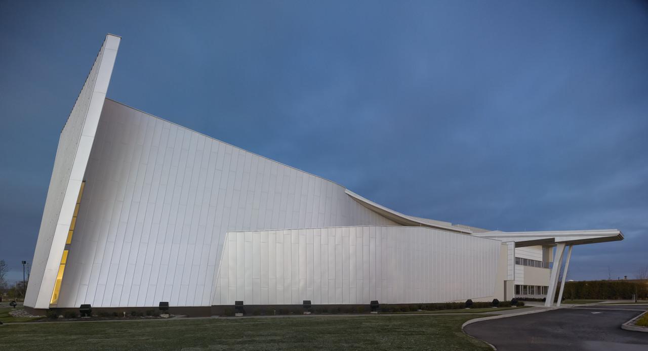 Scarborough Chinese Baptist Church / Teeple Architects, © Shai Gil Photography