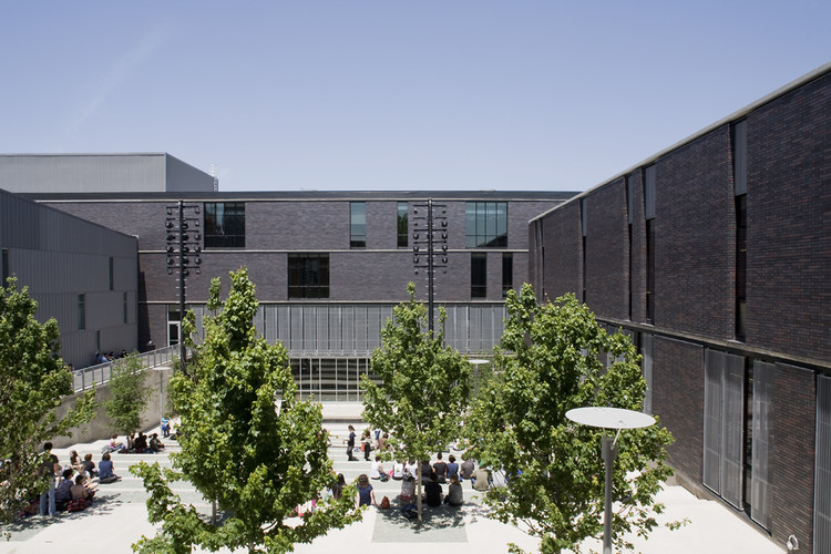 Booker T. Washington High School for the Performing and Visual Arts / Allied Works Architecture, © Jeremy Bittermann