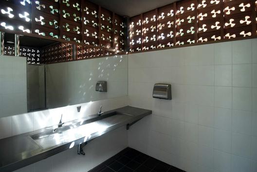 © Lacoste + Stevenson Architects