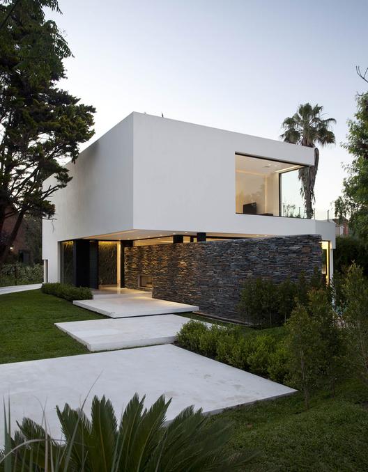 Carrara house andres remy arquitectos alejandro peral
