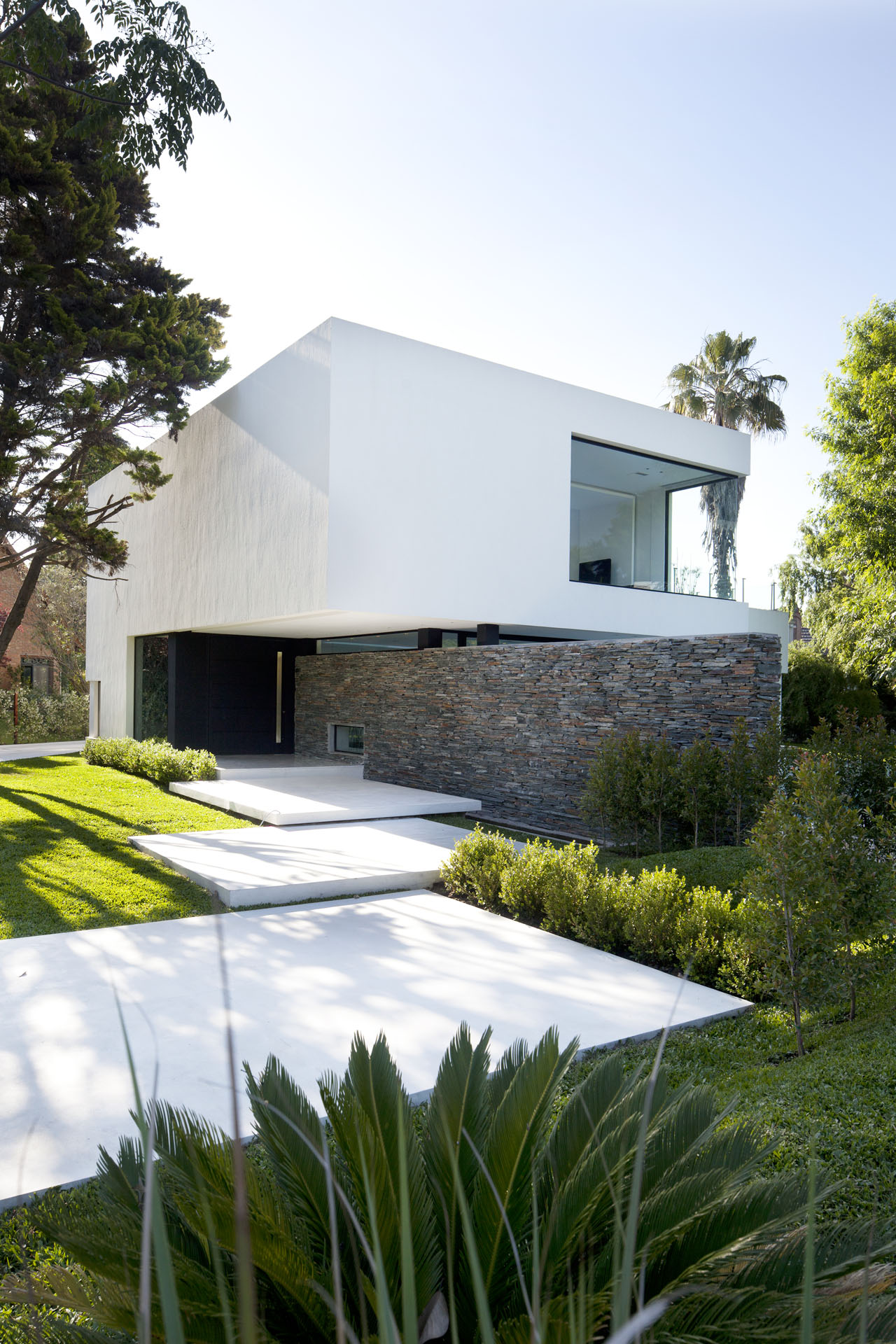 Gallery of carrara house andres remy arquitectos 2 for Architecture exterieur maison