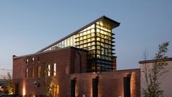 Edifício verde / (fer) studio