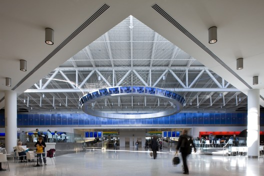 JetBlue Airways T5 at JFK / Rockwell Group with Gensler