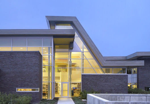 Montrose Cultural Centre / Teeple Architects