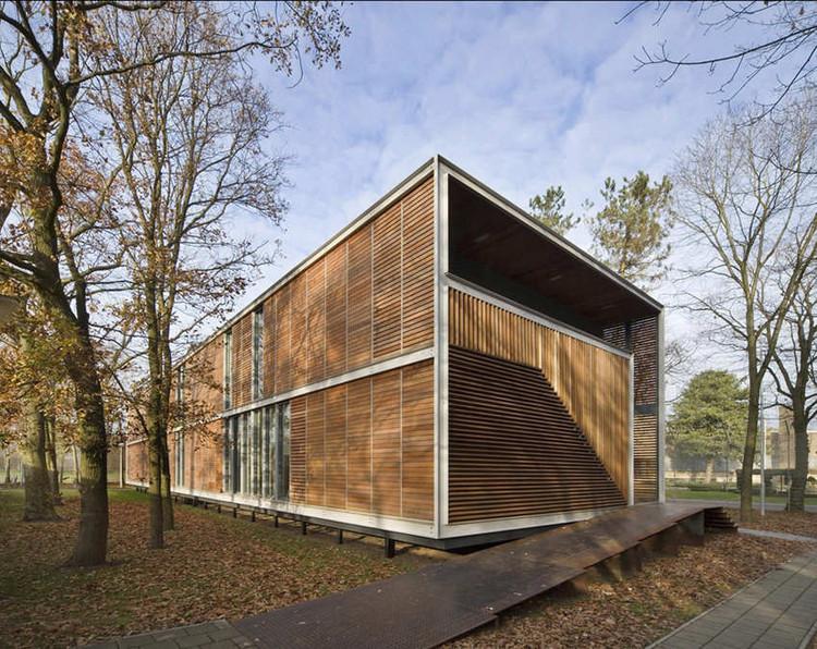 Juvenile Pavilion / UArchitects, ©  Norbert van Onna