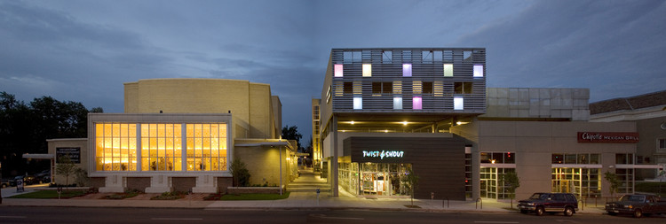 Lowenstein Cultural Center / Semple Brown Design, © Ron Pollard