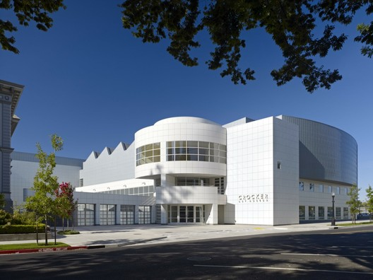 Crocker Art Museum / Gwathmey Siegel & Associates Architects