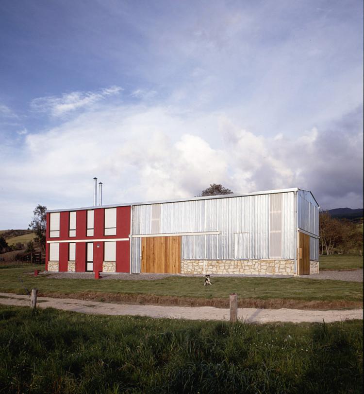 Barn House / Oficina Informal, © Mateo Pérez