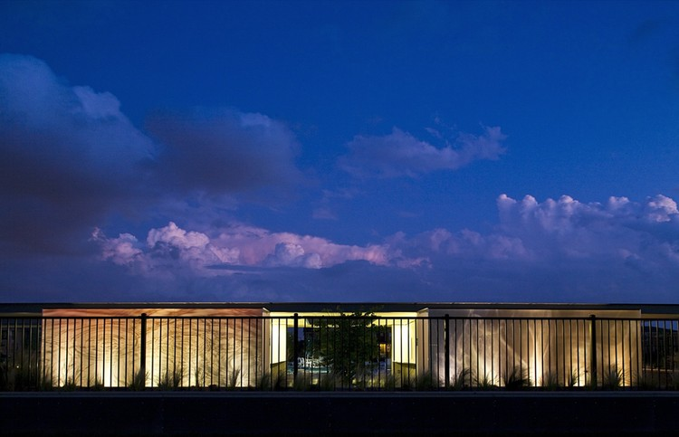 Stapleton Pool House Number 3 / Semple Brown Design, © Miller Hall Photography