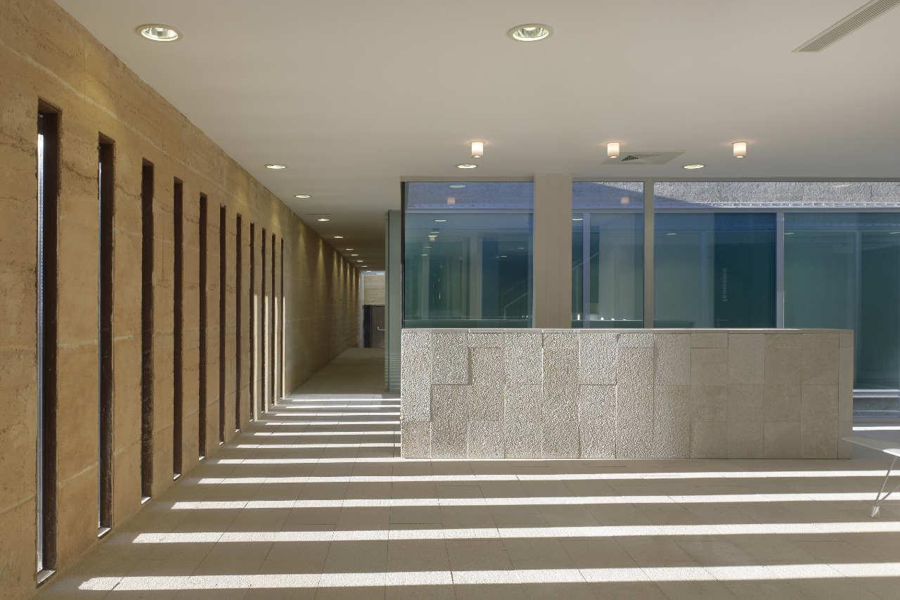 Gallery of indoor swimming pool in toro vier arquitectos 7 for Piscina zamora