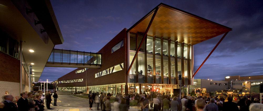 Waitakere Library And UNITEC Facilities / Architectus + Athfield Architects, © Simon Devitt