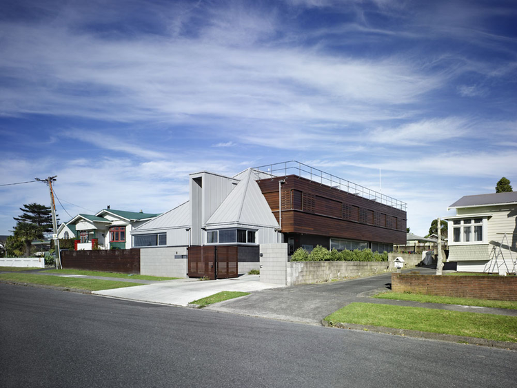 Waitakere Civil Defence Headquarters / Architectus, © Simon Devitt