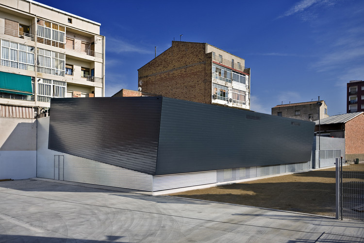 Retirement Home La Bordeta / BmesR29 Arquitectes, © Amaneceres Fotograficos / Josep Ardiaca Rodríguez