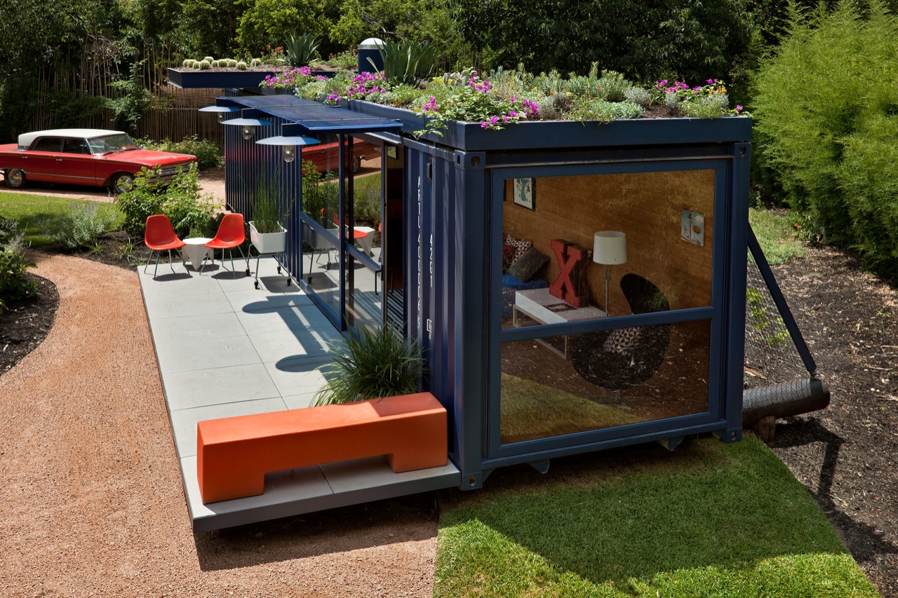 Container Guest House Poteet Architects