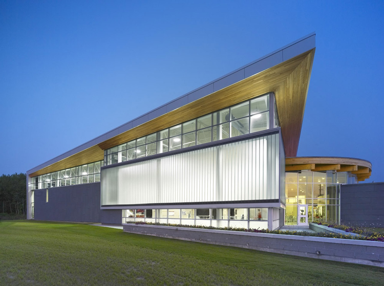 YMCA Quinte / aTRM Architects, © S.GIL