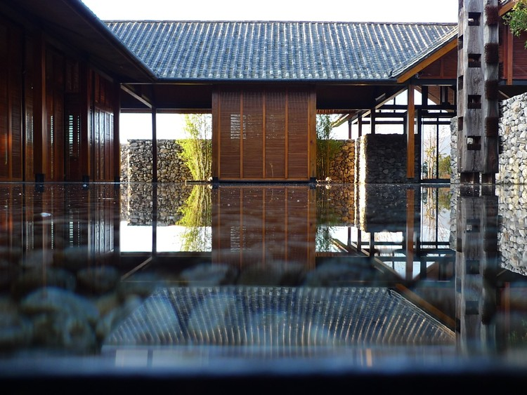 The Water House / Li Xiaodong Atelier