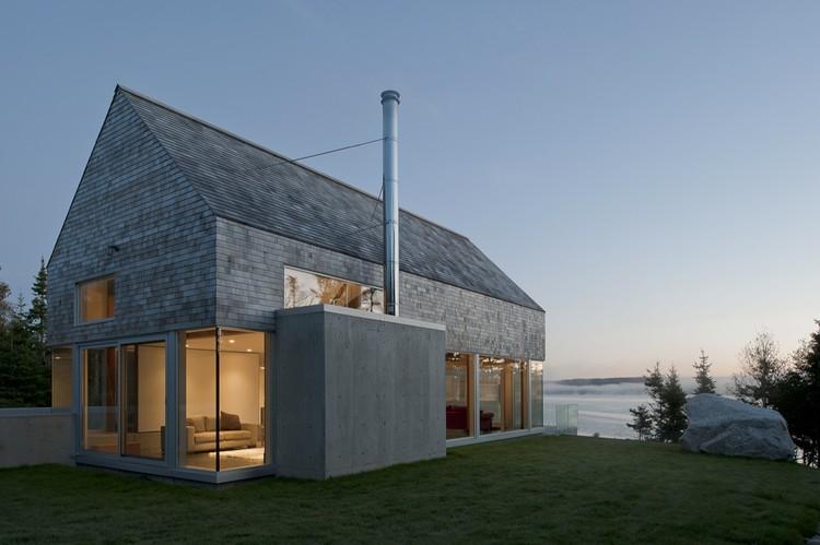 Martin-Lancaster House / MacKay-Lyons Sweetapple Architects, © Greg Richardson
