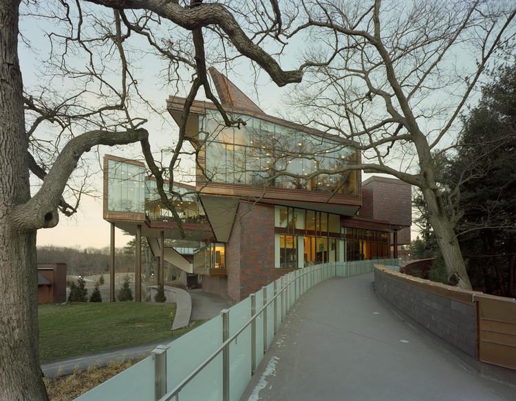 Lulu Chow Wang Campus Center and Davis Garage / Mack Scogin Merrill Elam Architects, © Timothy Hursley