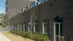 Vassall Road Housing & Medical Centre / Tony Fretton Architects