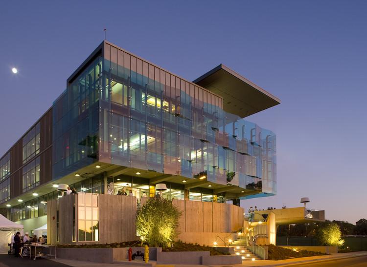 Housing & Dining Services Administration Building / Studio E Architects, © David Hewitt & Anne Garrison