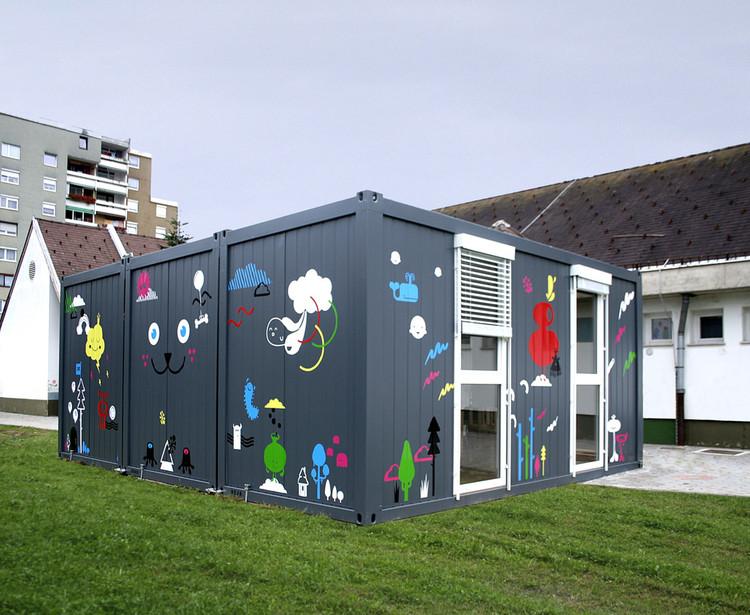 Temporary Kindergarten Ajda / Arhitektura Jure Kotnik, © Kitsch-Nitsch, Vid Brezocnik