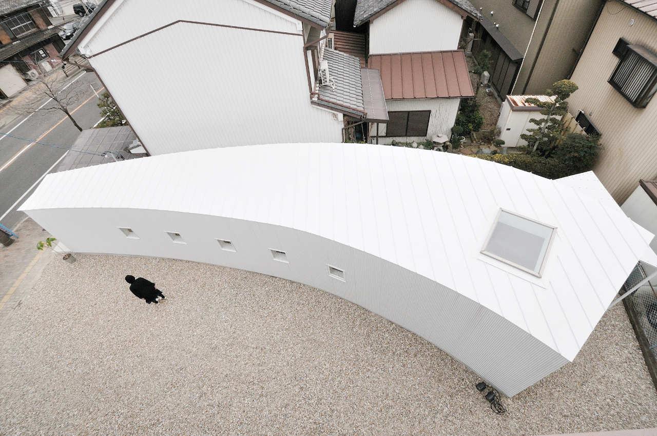 Curved Little House / Studio Velocity, © Kentaro Kurihara