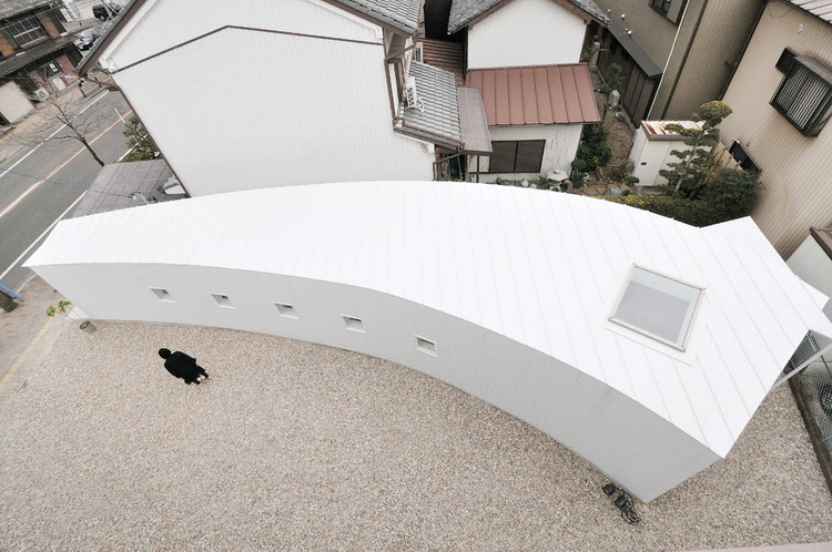 Curved Little House / Studio Velocity, © Kentaro Kurihara