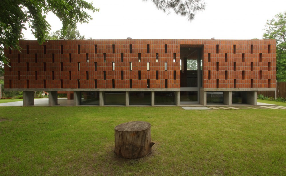 Pilar House / FILM-OBRAS DE ARQUITECTURA, Courtesy of  film-obras de arquitectura