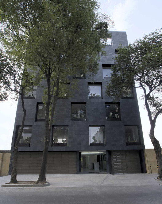 Recycled Building / Alonso de Garay Architects, © Jimena Carranza