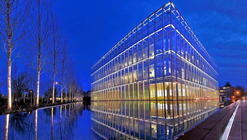 Centro de atletismo John E. Jaqua / ZGF Architects