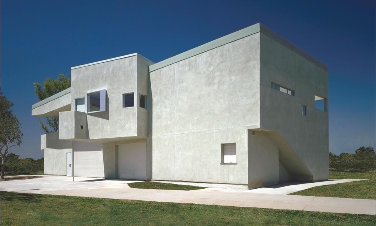 Reggie Rodriguez Community Center / Sparano + Mooney Architecture, © Toshi Yashimi