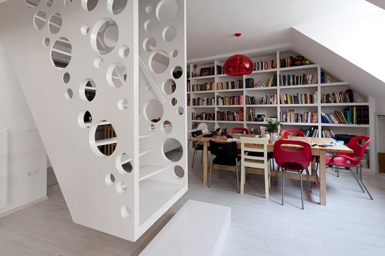 Emmental Stairs Apartment / Éva Katona, Péter Szigeti & Biljana Jovanović, © Gerardo Altemir