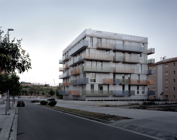 20 Dwellings in Manresa Barcelona / nothing architecture ...
