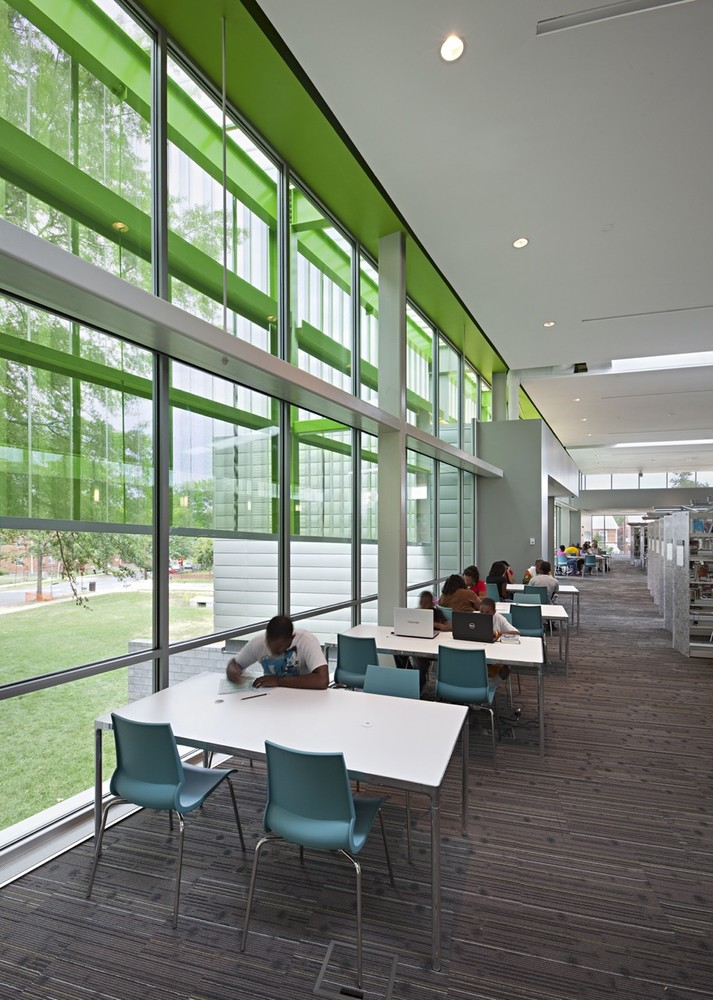 Gallery of Anacostia Liry / The Freelon Group Architects - 8 on