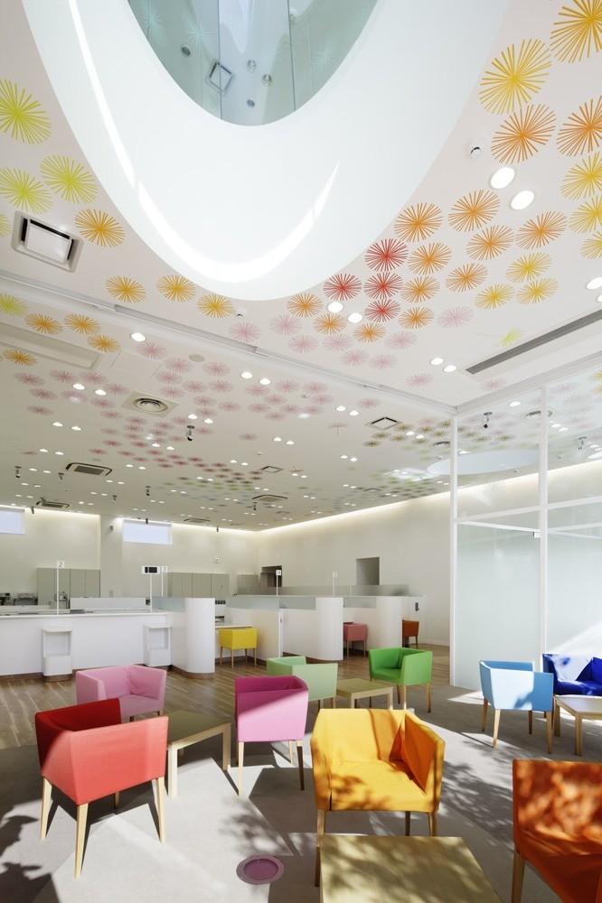 Sugamo Shinkin Bank, Shimura Branch / Emmanuelle Moureaux Architecture +  Design