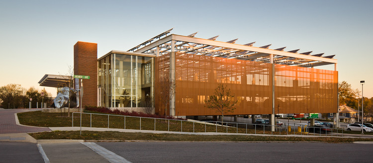 The University of Northern Iowa's Multimodal Transportation Center / substance, © Paul Crosby Architectural Photography