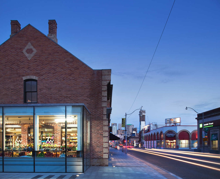 Shops of Summerhill / AUDAXarchitecture, © AUDAXarchitecture