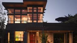 De La Costa / Fuse Architecture