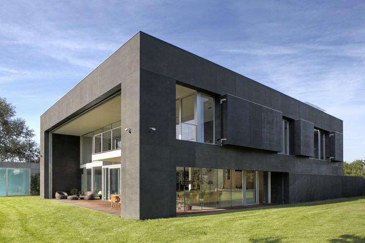 Safe House / KWK PROMES, Courtesy of  kwk promes
