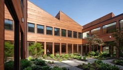 Clyde F. Barker Penn Transplant House / Rafael Viñoly Architects