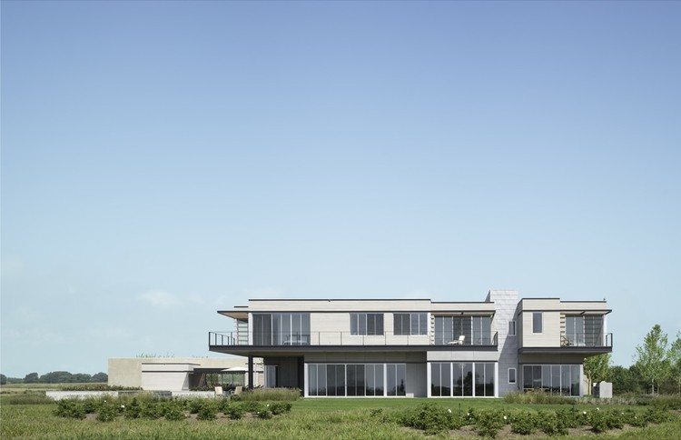 Sagaponack House / Selldorf Architects, ©  Nikolas Koenig