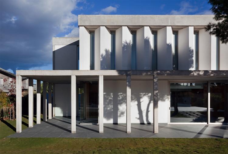 Pine House / Peñín Architects, © Diego Opazo